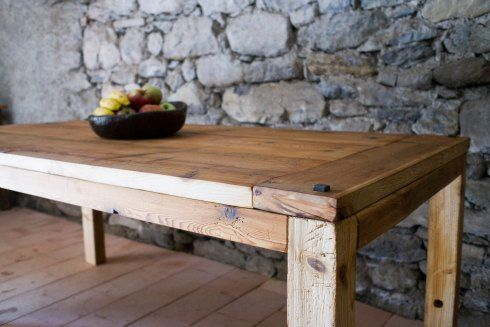 Manum Wood Table