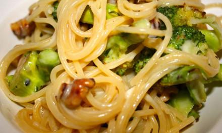 Spaghetti with Broccoli, Brie and Walnuts